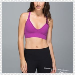 NEW - Lululemon Seamless Plunge Bra Fuschia